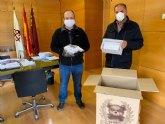 La Comunidad de Regantes entrega al Ayuntamiento de Totana 7.000 mascarillas de protección para su reparto entre profesionales y colectivos más necesitados del municipio