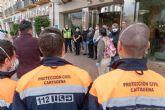 Trabajadores sociales, policías y ´sin techo´ agradecen con un aplauso el trabajo del personal del hotel Los Habaneros
