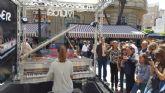 Centenares de personas disfrutan de la música clásica en las plazas de Murcia gracias a ´Pianos en la calle´