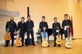 Seis jóvenes deleitan al público en la final de guitarra flamenca de Entre Cuerdas y Metales