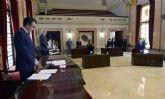 El Pleno de Murcia guarda un minuto de silencio por los fallecidos a causa del COVID-19
