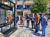 Dos exposiciones al aire libre en Murcia y Caravaca exhiben de forma simultánea imágenes de las Fiestas de Moros, Cristianos y Caballos del Vino en honor a la Vera Cruz
