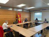 Mercedes Bernabé y Pilar Torres se reúnen con representantes del Mercado Mixtura para que retome su actividad