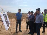 El consejero de Agricultura, Francisco Jódar visitó las obras de reparación de dos caminos rurales en San Javier