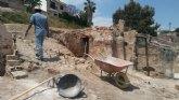 Demuelen las edificaciones en estado de abandono situadas en el Paseo de las Ollerías, junto a la rambla de La Santa, conservando dos hornos morunos de relevante valor patrimonial