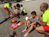 Protección Civil de San Javier simuló hoy un rescate por el incendio de una embarcaión con náufragos frente a la playa Colón