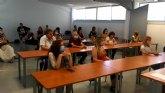 Unos 25 comerciantes de Totana participan en la charla-taller C�mo vender online siendo un comercio local