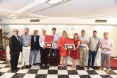 Montserrat Espinar recibe el primer premio del XXXII concurso de cuentos Villa de Mazarrón