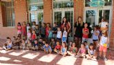 Una cuarentena de niños y niñas participan en la Escuela Imperdible en Vacaciones que se celebra este verano, en distintos turnos, en el Centro Social Tirol Camilleri