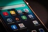 El uso de apps en menores ha caído un 34% en julio