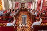 El pleno pide el cese del Delegado del Gobierno por su mala gestión de la crisis de la llegada de inmigrantes irregulares
