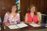 El Ayuntamiento y AFEMAR firman la cesión de uso del edificio de Usos Múltiples para esta asociación