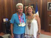 La atleta local Paulina Vallejo prepara su participación en el campeonato del Mundo de Veteranos de atletismo
