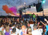 Una colors party y la gala de las peñas festeras relucen en las fiestas torreñas