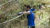 Más de 60 voluntarios conocen y mejoran dos espacios naturales de la Región en una jornada con EPlan