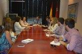 El Gobierno regional ratifica a los vecinos de Altorreal su compromiso de implantar un servicio de transporte público