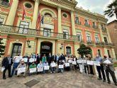 Los alcaldes y alcaldesas pedáneas del PP se plantan en el Pleno para denunciar el asalto a las Juntas Municipales