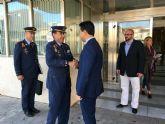 El alcalde recibe en el Ayuntamiento al nuevo coronel director de la AGA, Miguel Ivorra Ruiz