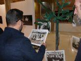 La exposición Nuestros Mayores muestra instantáneas de los vecinos más longevos de La Magdalena