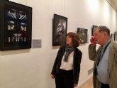 La sala de exposiciones del Auditorio regional muestra una colección de retratos de intelectuales polacos del siglo XX