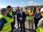 Iniciadas las obras para modificar la carretera del Alamillo en Mazarr�n y poder dotar de m�s servicios a la playa