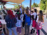 Niños del programa de infancia del Ayuntamiento visitan Terra Natura gracias a la iniciativa ´12 meses contigo´