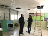 Instalación de techo de escayola, creación de nuevos bebederos y sustitución de vallas en pistas deportivas destacan dentro de la amplia batería de obras en centros escolares desarrolladas por el Ayuntamiento esta Navidad
