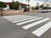 El Ayuntamiento torreño refuerza la seguridad vial en los entornos escolares con el repintado de los pasos de cebra