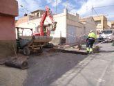 En un plazo de dos semanas estarán finalizadas las obras de renovación de la red y acometidas de alcantarillado en la calle Extremadura y Callejón de la vía Valle del Guadalentín