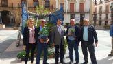 El Ayuntamiento entrega a los vecinos de La Viña y La Torrecilla diversos ejemplares de arbustos y árboles para conmemorar el domingo el Día del Árbol