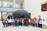 Cerca de 600 alumnos de infantil y primaria visitan el planetario instalado en el centro cultural