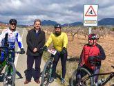 La Comunidad elabora un plano con los itinerarios señalizados para ciclistas en las carreteras regionales