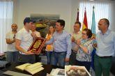 Caluroso recibimiento a Miguel Madrid a su llegada a San Javier tras coronar el techo del mundo en el Everest