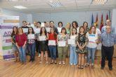 Los alumnos del Programa Conecta de la ADLE reciben sus diplomas