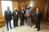 El presidente de la Asamblea recibe la memoria del Consejo Jurídico de la Región 2020