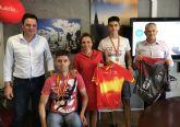 La consejera de Educación, Juventud y Deportes se reúne con el campeón de España de Mountain Bike en la categoría junior