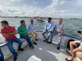 Espinosa de los Monteros visita el Mar Menor y defiende la compatibilidad de su preservación con los intereses de los agricultores