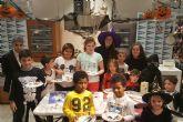 Los niños aprenden a cocinar deliciosas galletas terroríficas en El Corte Inglés El Tiro