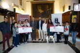 Cáritas y Econciencia reciben los 5.571 euros de la recaudación benéfica de 'Las Cocinas del Jubileo'