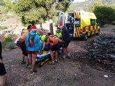 Agente medioambiental y sanitarios se dirigen a Sierra Espuña para atender a un senderista
